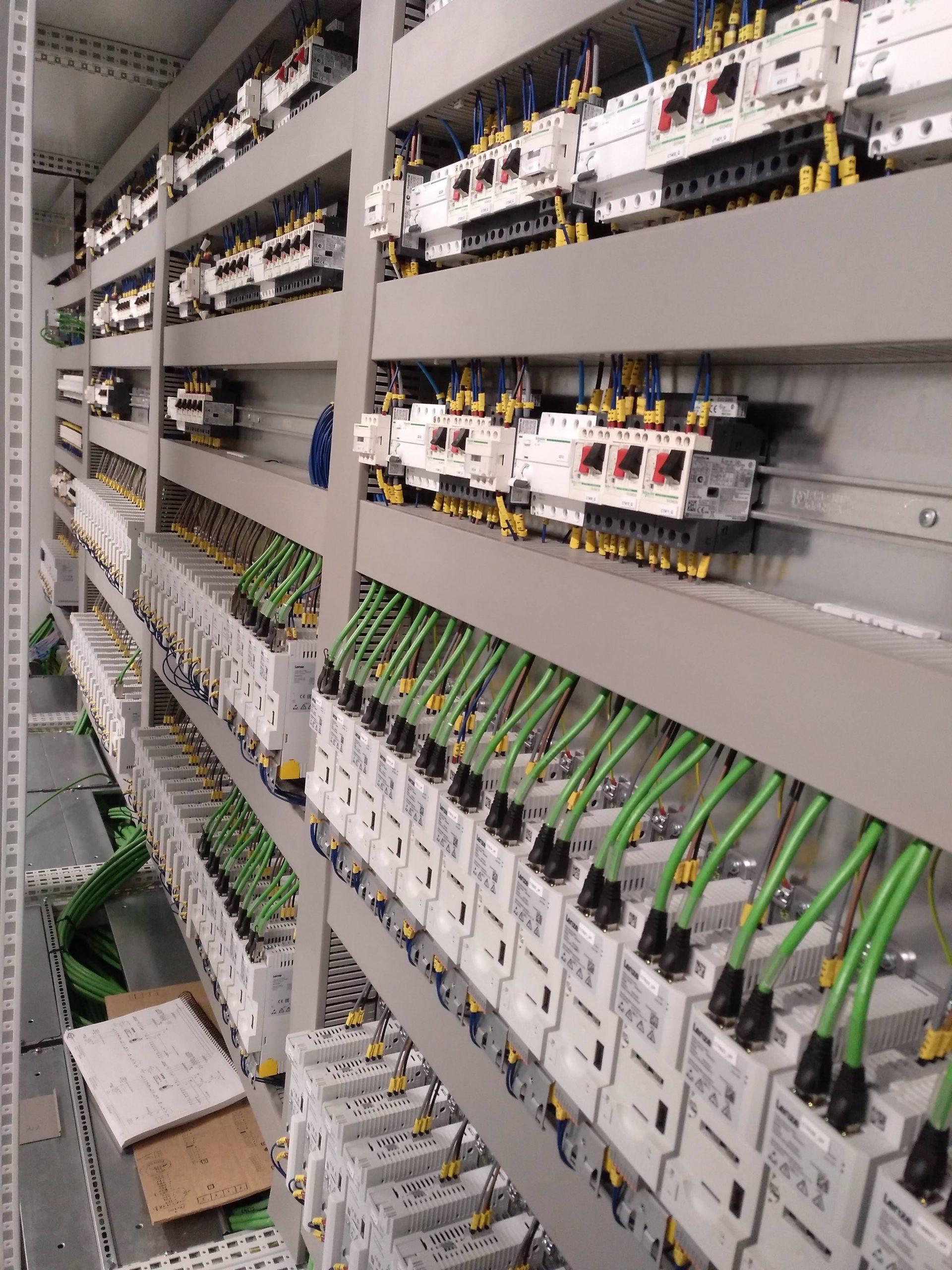 Cuadro eléctrico de potencia y control